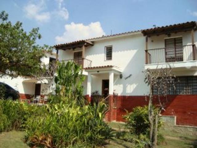 Vendo Quinta Muy Amplia En Colinas De Carrizal