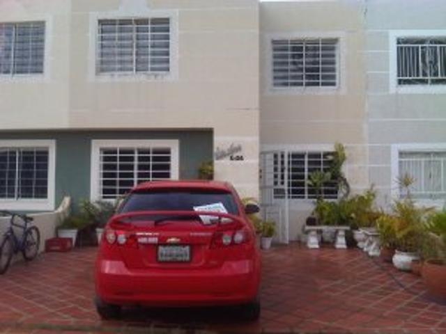 Vendo Town House Terrazas Del Lago Maracaibo