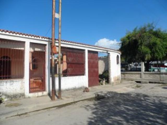 Venta De Amplia Casa En Urb. Orticeño Palo Negro Cód Flex: 13 4868