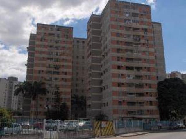 Venta De Apartamento En Avenida Ayacucho, Maracay. Cod. 15 11052