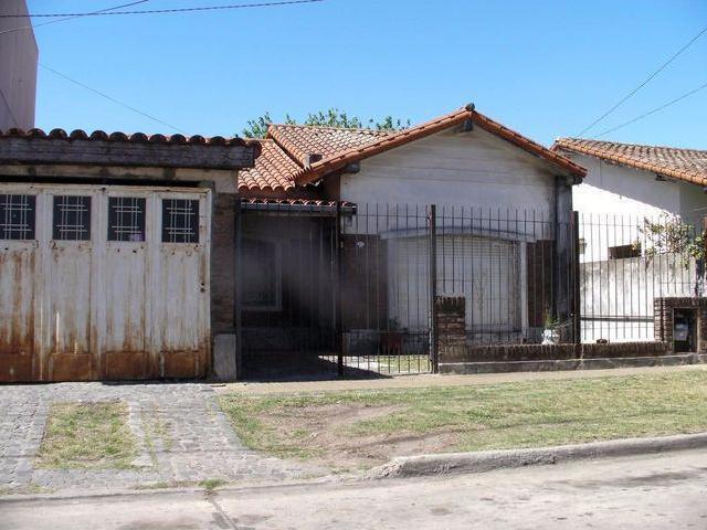 Venta De Casa Con Garage Techado