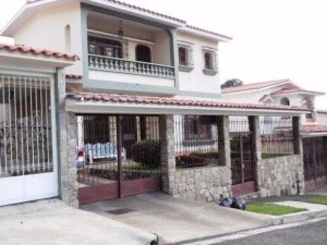 Venta De Excelente Casa En Piedra Pintada Mls 11 6304
