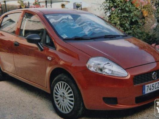 fiat grande punto rouge calais mitula auto. Black Bedroom Furniture Sets. Home Design Ideas