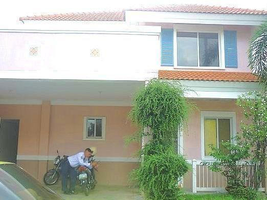 Verdana House And Lot Perfect Location For Sale