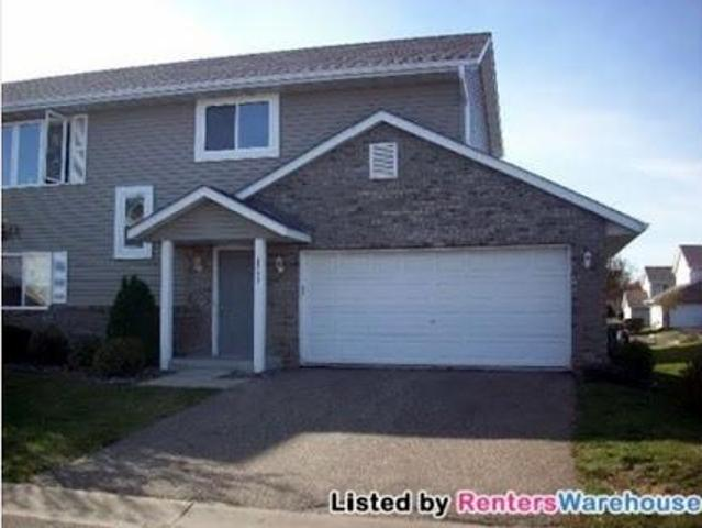 Very Nice 3bd/two Ba End Unit Th In Forest Lake!