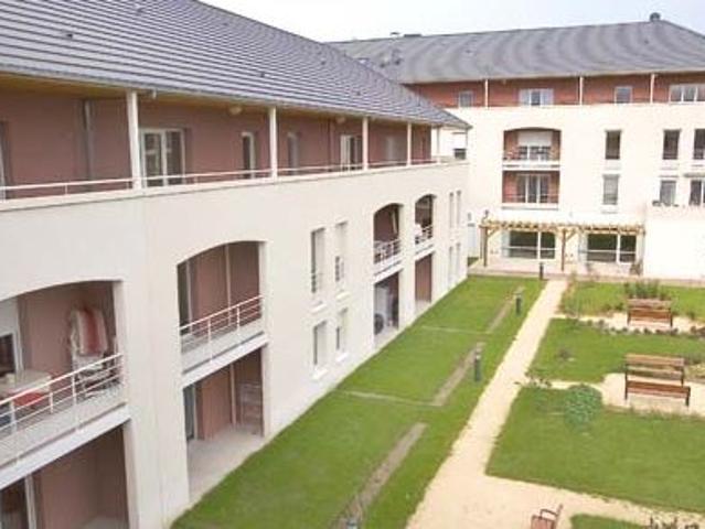 Villa À Louer À Vierzon, Au Sein D'une Résidence Avec Services Pour Seniors