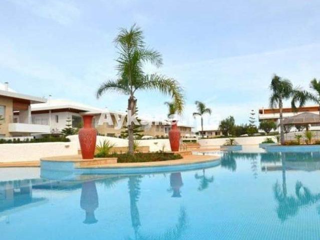 Villa De Luxe De 9 Pièces En Vente Bouznika, Région De Chaouia Ouardigha