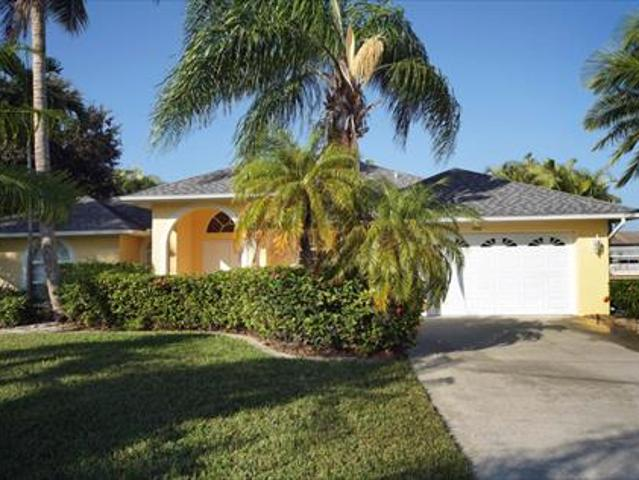 Villa House For Rent In Cape Coral Fl Florida Usa From 1260 Usd Weekly