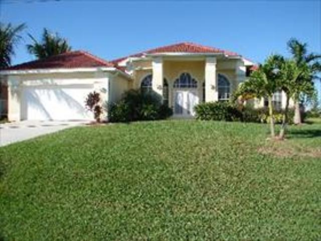 Villa House For Rent In Cape Coral Fl Florida Usa From 987 Eur Weekly