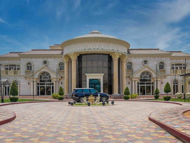 Villa In Al Jafiliya For Sale