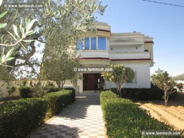 Villa Style Américain À Borj Hfaidh À 10 Min De Ha