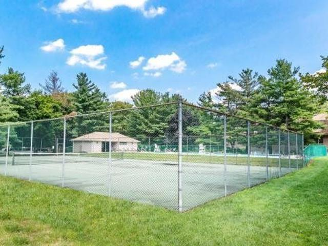 Village On The Green River Vale, Nj Apartments For Rent