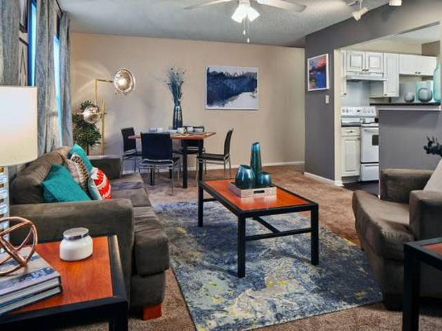 Virtual Tours Available. 2 Bedroom 2 Bathroom Apt Available For Fall 2 Lafayette