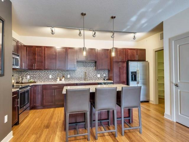 W Lake St & Hennepin Ave 1 Bedroom Apartment For Rent At W Lake St & Hennepin Ave, Minneap...