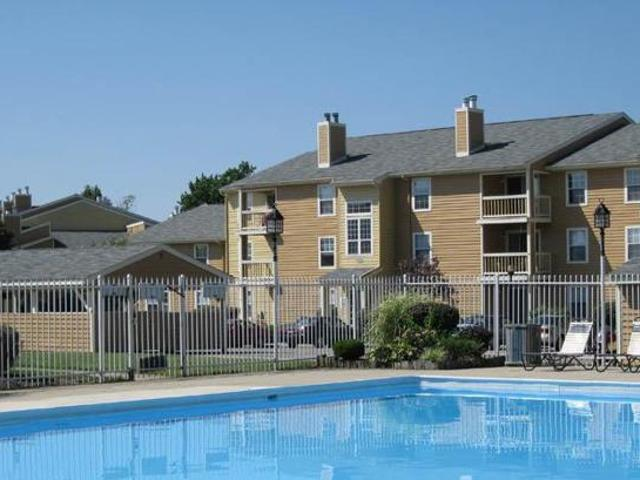 Washington Twp~largest 2br~ Only $729!~1000 Square Feet! 33 Tree Lined Acres And Private Lake