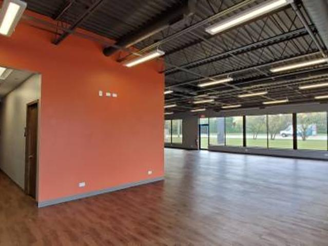 We Help You Get Started 6142 Sqft Of Retail. Ac1702 Hoffman Estates, Il
