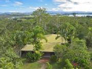 Peace + Privacy On 50 Acre Lifestyle Property Overlooking Lake Tinaroo 1h From Cairns Cbd