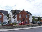 Superb Two Bed Apartment Close To The City