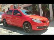 Volkswagen 2013 gasolina gol sedan color rojo con rines deportivos