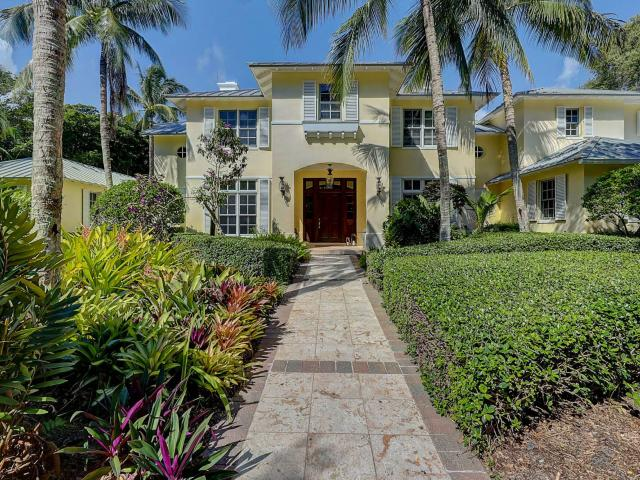 Welcome To Paradise In The Beautifully Quaint Town Of Sewalls Point & This Truly Magnifice...