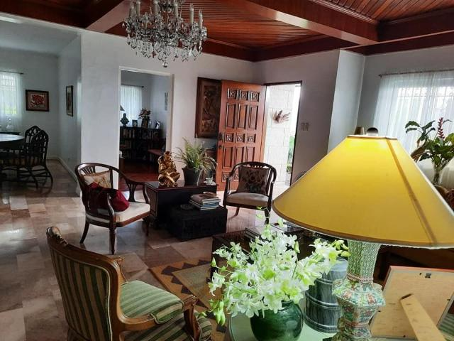 Well Maintained Bungalow For Sale In Alabang Hills