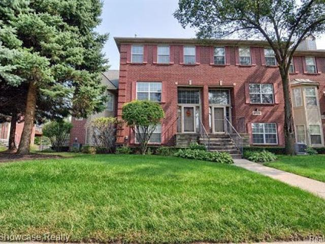 Westland Three Br 1.5 Ba, Townhouse Style Condo With Lots Of Roo
