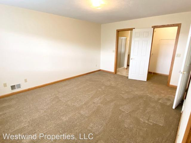 Westwind Apartments 2 Bedroom Apartment For Rent At Westwind Apartments, Erie, Pa 16506