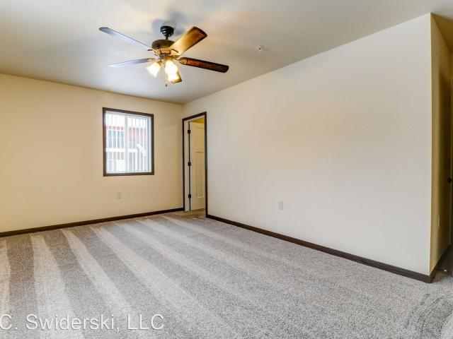 Westwood Estates 2 Bedroom Apartment For Rent At 1470 Westwood Dr, Wausau, Wi 54401