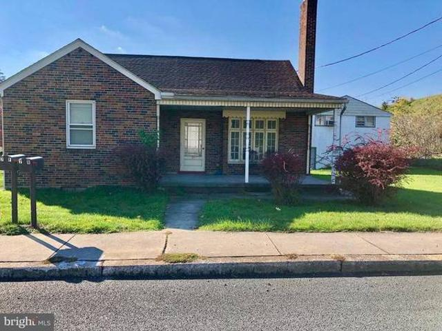 Wow, What A Great Income Property. This Home, Apartment, And 2 Garages Highspire