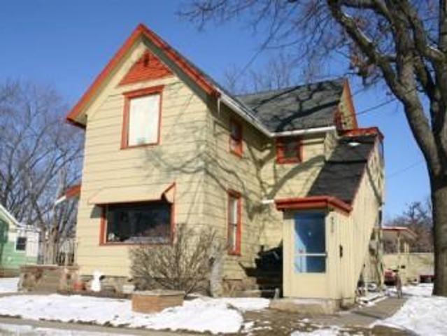 Zoned Os 1 ~ 3 Unit Apartment Or House